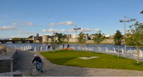 Nearby Walks: The Three Bridges walking route in Limerick